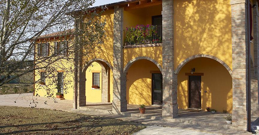 Case in legno prefabbricate su misura kager italia for Case con portici