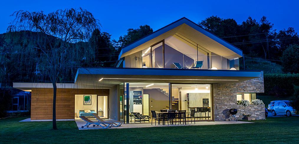 Autoproduzione e stoccaggio dell 39 energia case in legno for Italia legno energia
