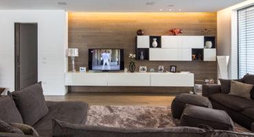 Arredare case in legno Kager Italia mobili sospesi