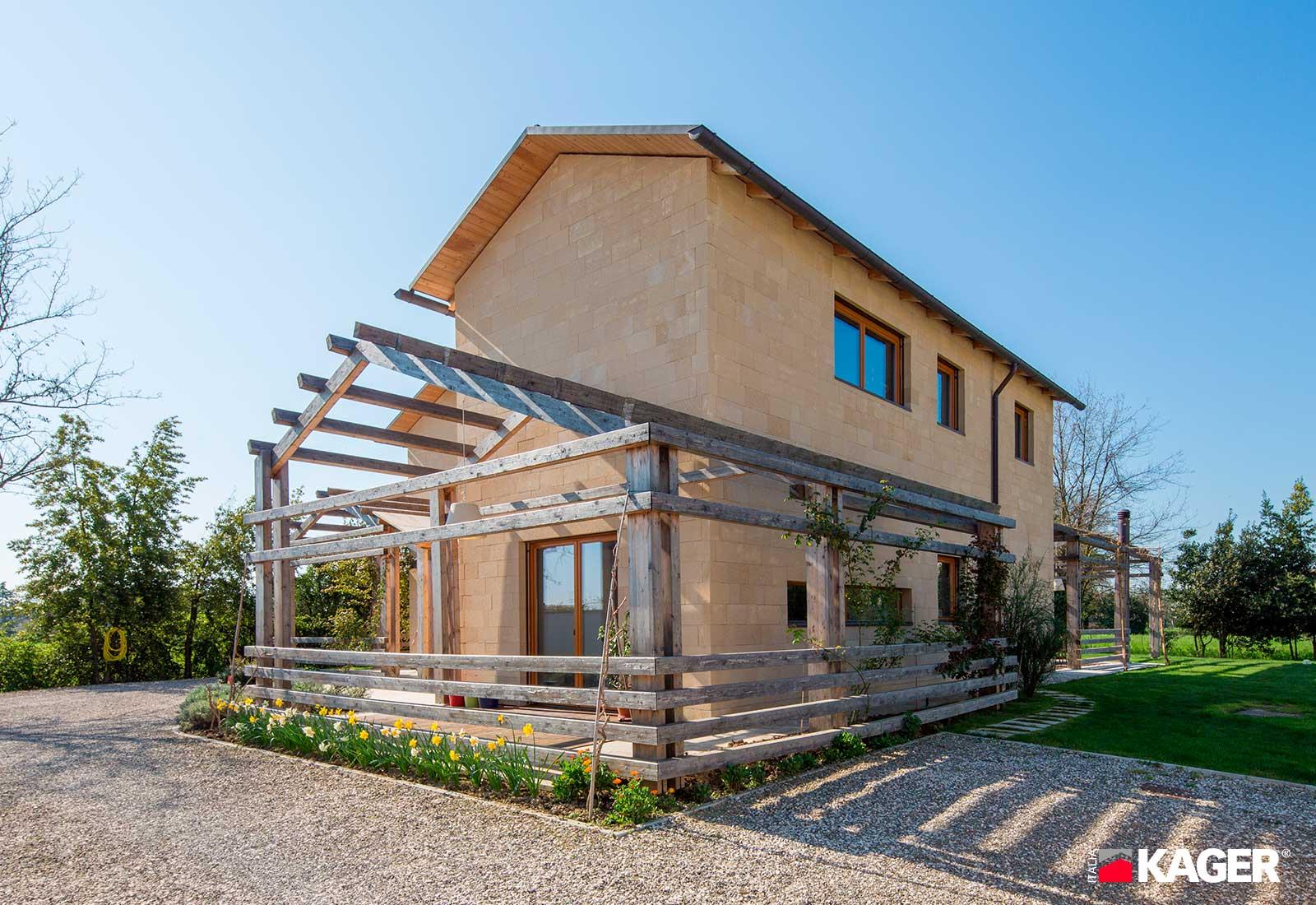 Casa-in-legno-Forli-Kager-Italia-01