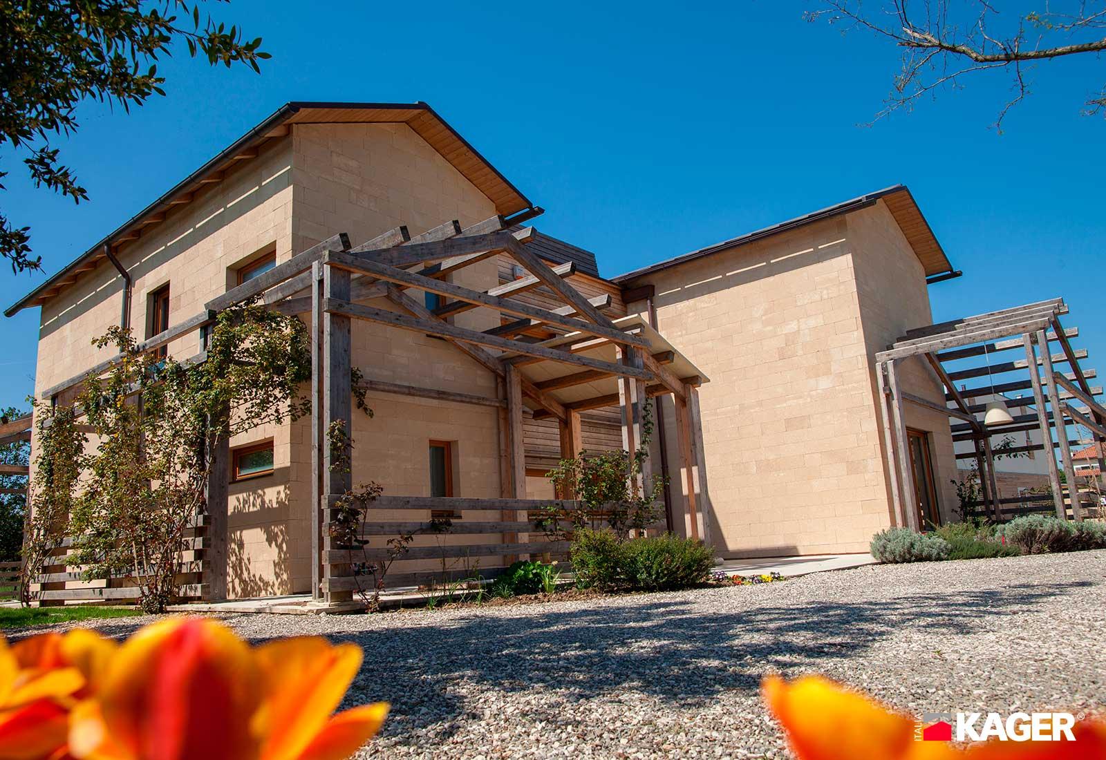 Casa-in-legno-Forli-Kager-Italia-04