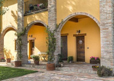 Resistenza-case-in-legno-Kager-dettaglio-porticato